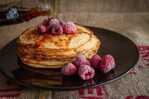 Die fluffigsten veganen Pfannkuchen der Welt (Rezept)