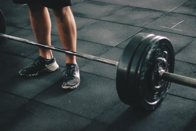 Der richtige Trainingsplan für Anfänger im Krafttraining zum Abnehmen